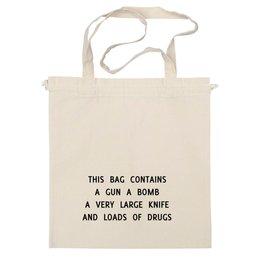 """Сумка """"Содержит пистолет, бомбу..."""" - this bag contains, эта сумка содержит"""