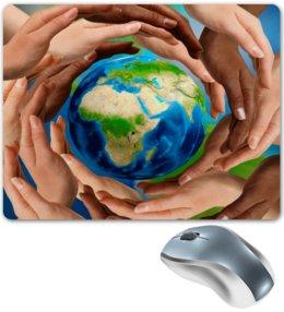 "Коврик для мышки ""Земля"" - руки, планета, земля, шар, материк"