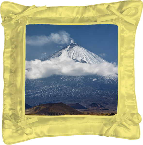 Подушка простая Printio Камчатка, осенний пейзаж, извержение вулкана
