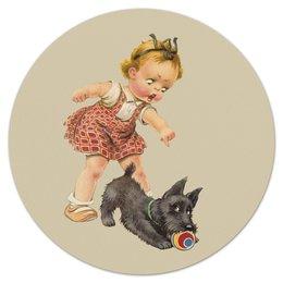 """Коврик для мышки (круглый) """"Девочка играющая с собакой."""" - игра, ретро, рисунок, собака, девочка"""