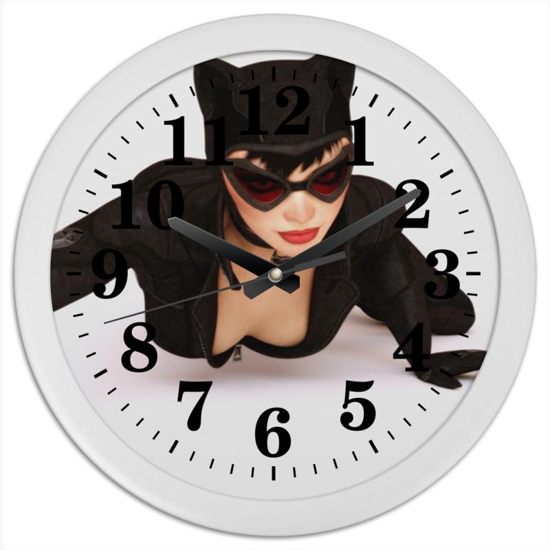 Часы круглые из пластика Printio Женщина-кошка 01