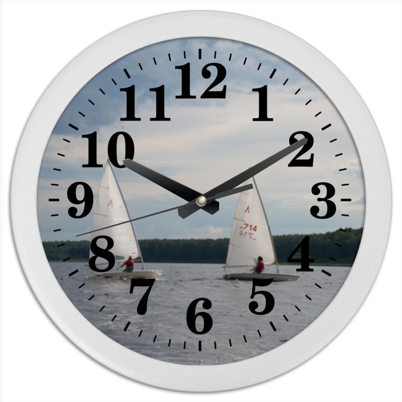 Часы круглые из пластика Printio Паруса