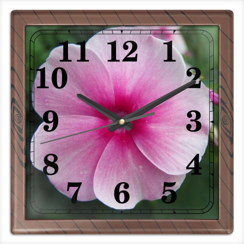 Часы квадратные из пластика (под дерево) Printio Цветущая долина