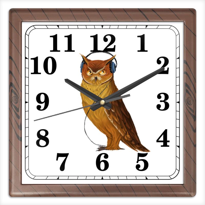 Часы квадратные из пластика (под дерево) Printio Сова в наушниках конверт средний с5 printio сова в наушниках