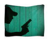 "Гобелен 180х145 ""Тень на заборе."" - пистолет, шпион, вор, грабитель"